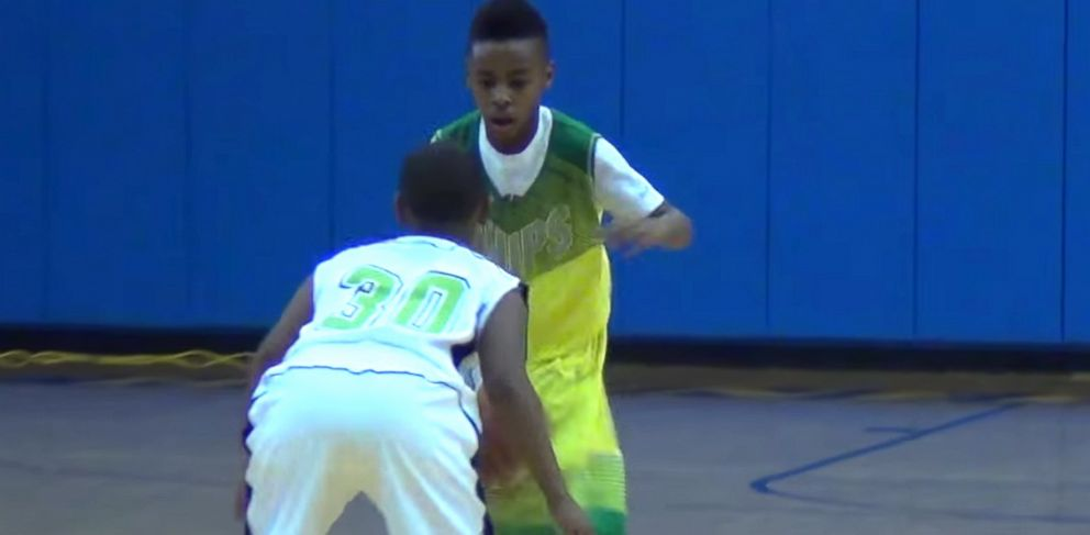 PHOTO: LeBron James Jr. dribbles in the Ronald Searles Holiday Classic in Houston.