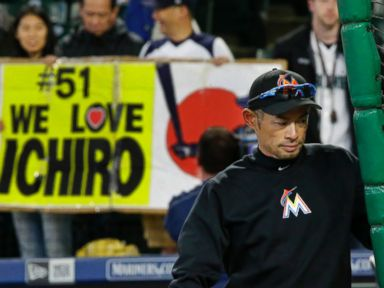 LEADING OFF: Keuchel in ace form, M's give Ichiro bobblehead