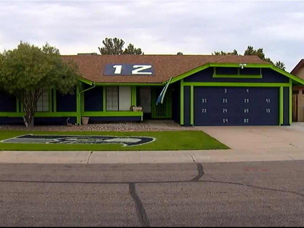 photo a seahawks fan painted this home and lawn in arizona in time for the