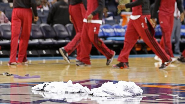 ap heat shirts 140428 16x9 608 Heat Follow Suit With Clippers, Dump Warmups in Sterling Protest