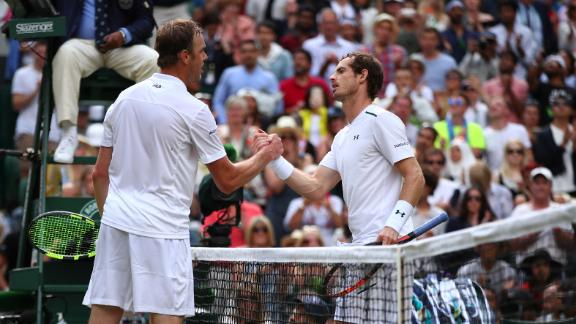 Querrey Upsets Defending Champ Murray to Reach Wimbledon Semifinals