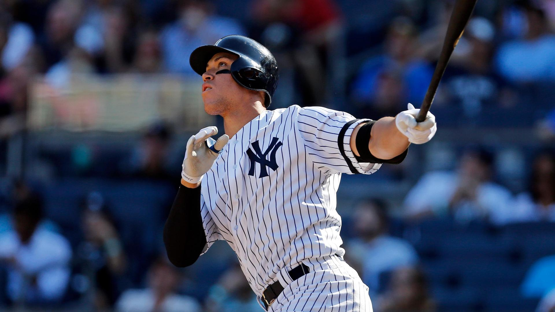 Yankees rookie aaron judge has best selling rookie jersey for Selling wallpaper
