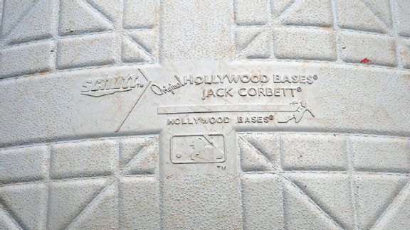 Schutt Original Hollywood Bases base