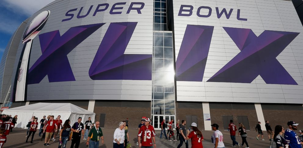 PHOTO: Fans walk outside University of Phoenix Stadium on Jan. 25, 2015 in Glendale, Arizona. The NFL Super Bowl XLIX will be held at the University of Phoenix Stadium on Feb. 1, 2015.