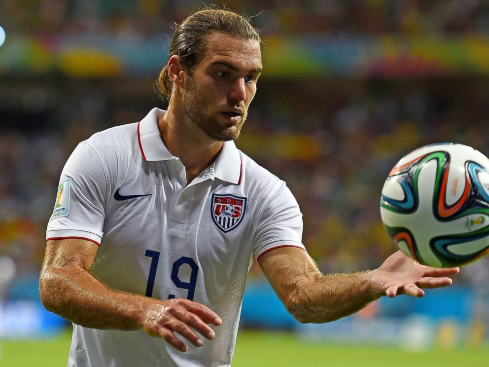 PHOTO: Graham Zusi of the United States controls the ball during World Cup match between Belgium and the United States on July 1, 2014 in Salvador, Brazil.
