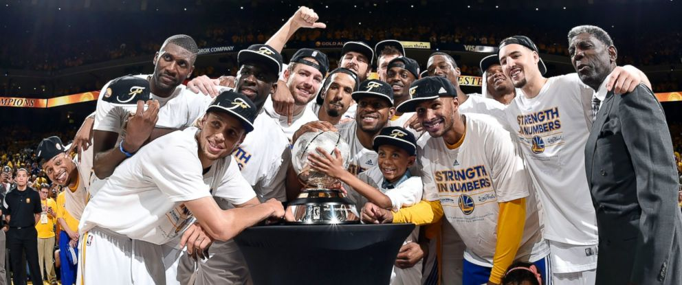 PHOTO: The Golden State Warriors pose for a portrait after winning the Western Conference Championship against the Houston Rockets, May 27, 2015 at Oracle Arena in Oakland, Calif.