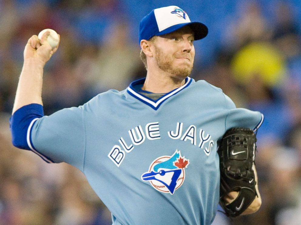 PHOTO: Blue Jays pitcher Roy Halladay pitches during a game between Toronto Blue Jays and Kansas City Royals, May 23, 2008.
