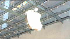Apple Halts Online Sales to Russia