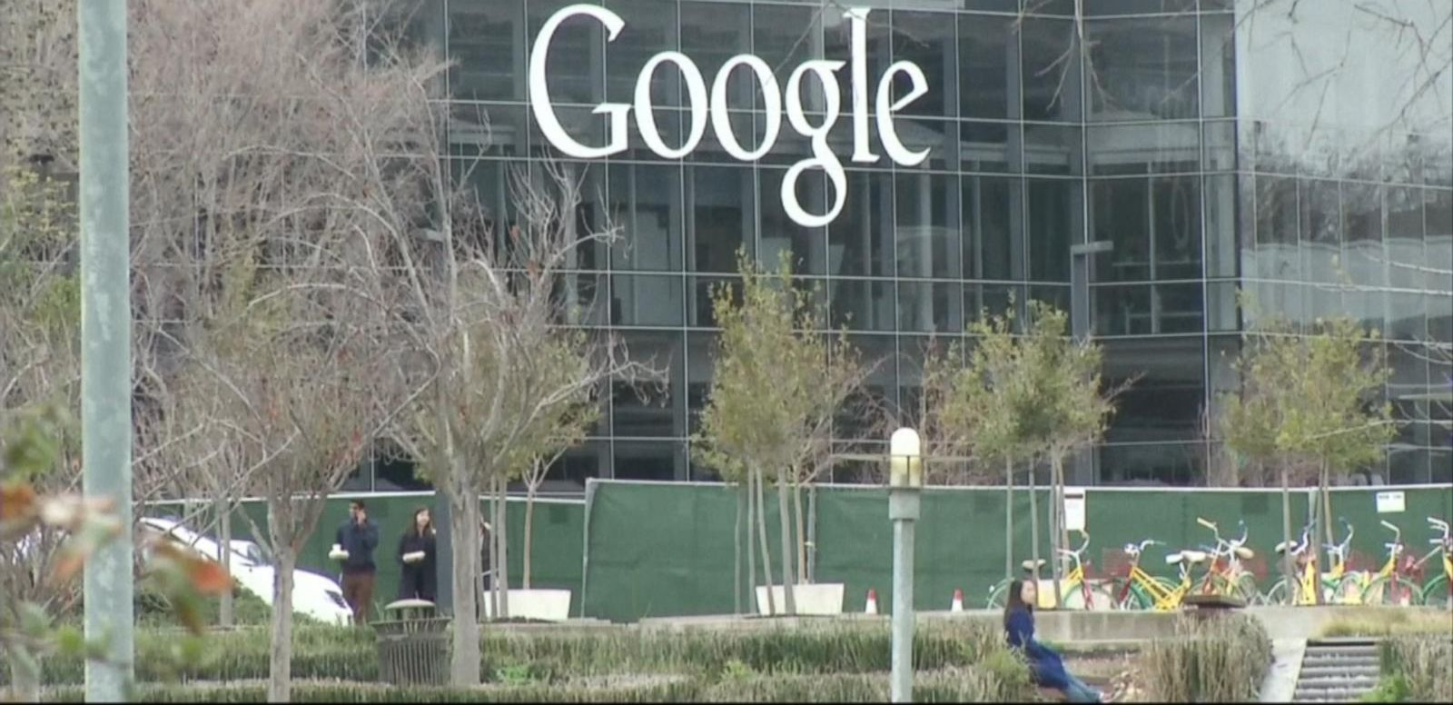 VIDEO: Google Prepares to Challenge the iPhone