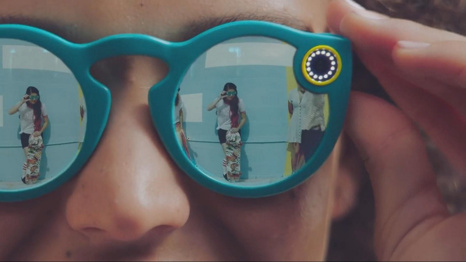 VIDEO: Snapchat Now Offering Video Recording Eyeglasses