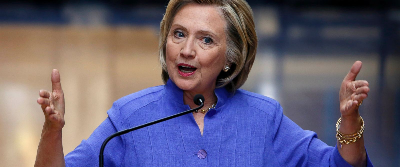 PHOTO: Democratic presidential candidate Hillary Rodham Clinton answers reporters questions about Republican presidential candidate Donald Trump after announcing her college affordability plan, Aug. 10, 2015, at the high school in Exeter, N.H.