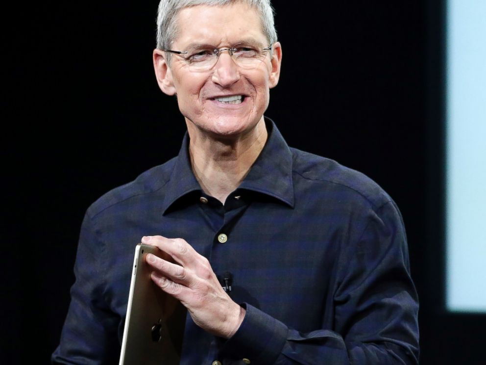 PHOTO: Apple CEO Tim Cook introduces the new Apple iPad Air 2 during an event at Apple headquarters on Oct. 16, 2014 in Cupertino, Calif.