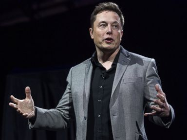 PHOTO: Elon Musk, CEO of Tesla Motors Inc., in Hawthorne, California, April 30, 2015.