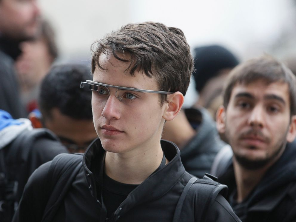 PHOTO: Attendees wear Google Glass at the Apple Worldwide Developers Conference in San Francisco on June 2, 2014.