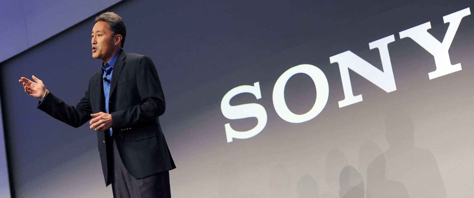PHOTO: General manager of Sony, Kazuo Hirai, speaks at a Sony press conference in Las Vegas on Jan. 6, 2014.