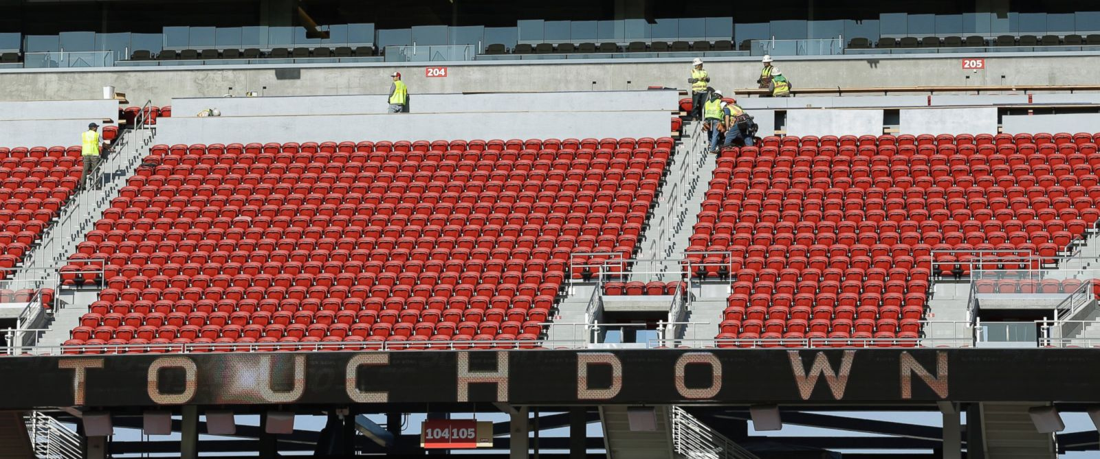PHOTO:Work continues on Levi Stadium in preparation for the Super Bowl 50 NFL football game, Jan. 26, 2016, in Santa Clara, Calif.