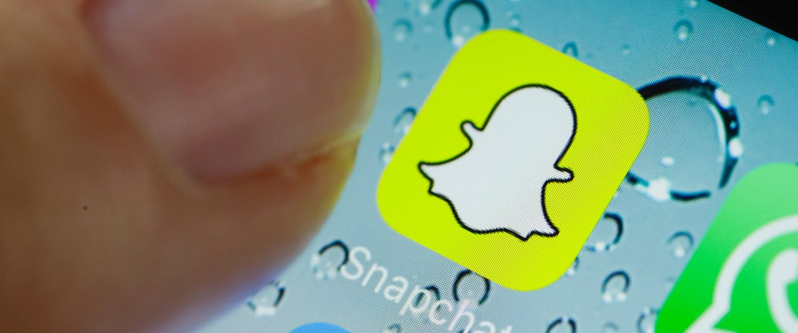 how to delete snap story on new snapchat