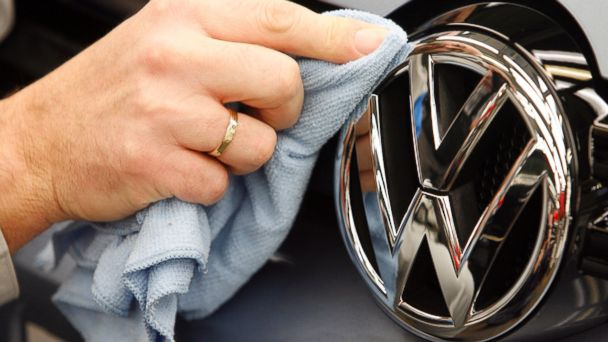 http://a.abcnews.com/images/Technology/GTY_Volkswagen_factory_ml_150703_16x9_608.jpg
