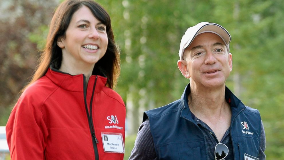 PHOTO: Jeff Bezos and his wife Mackenzie Bezos