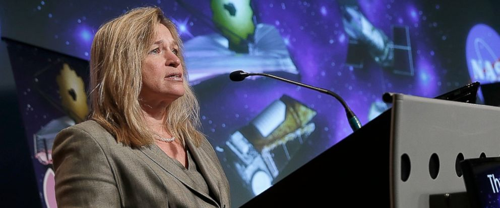 "PHOTO: Ellen Stofan, chief scientist at NASA, speaks at a press conference discussing ""the scientific and technological roadmap that will lead to the discovery of potentially habitable worlds among the stars"" on July 14, 2014 at NASA headquarters."