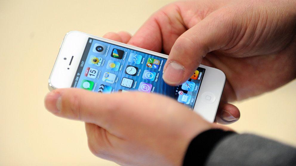 PHOTO: Phone 5
