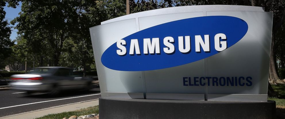 PHOTO: A sign is posted in front of a Samsung Electronics office in San Jose, Calif., July 30, 2012.