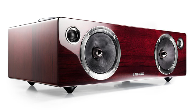 PHOTO: Samsung's DA-E740 speakers have a sleek mahogany finish.