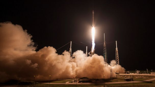 PHOTO: SpaceX lands rocket at sea during launch from Cape Canaveral, FLorida, May, 6th, 2016.