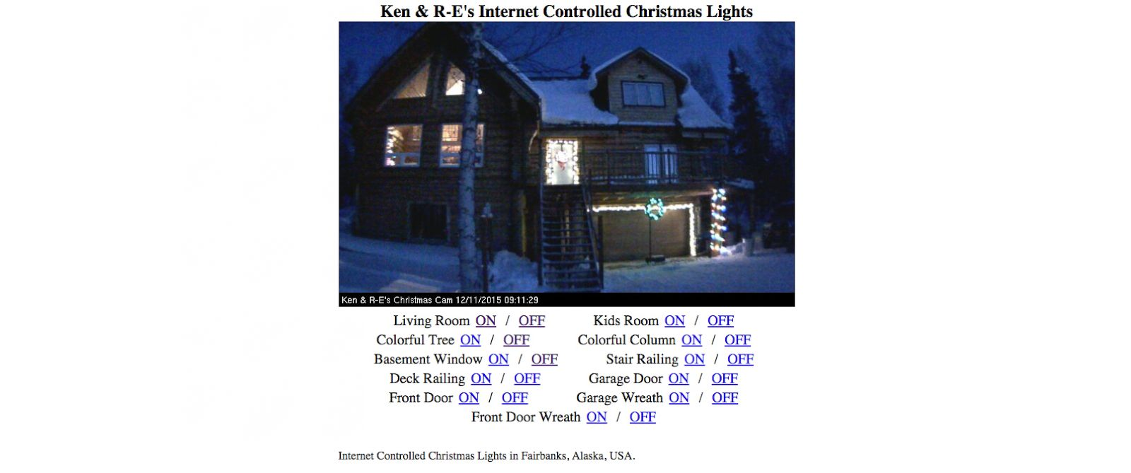 PHOTO: Ken Woods lets visitors to his website control his Christmas lights.