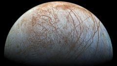 PHOTO: Europa's Icy Surface Glows in New Color View