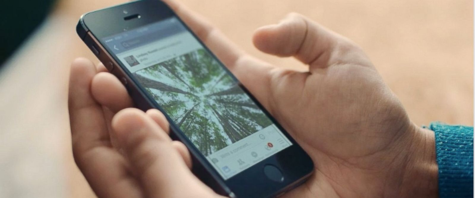 PHOTO:Facebook is using artificial intelligence to help blind people experience the social network.