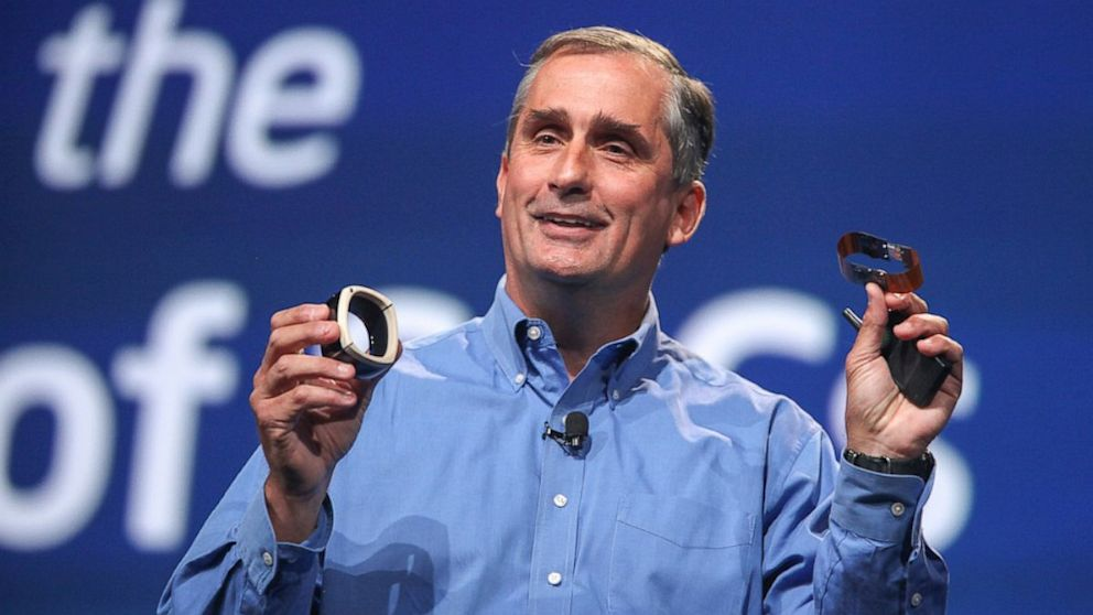 PHOTO: Intel CEO Brian Krzanich shows off prototype devices utilizing I