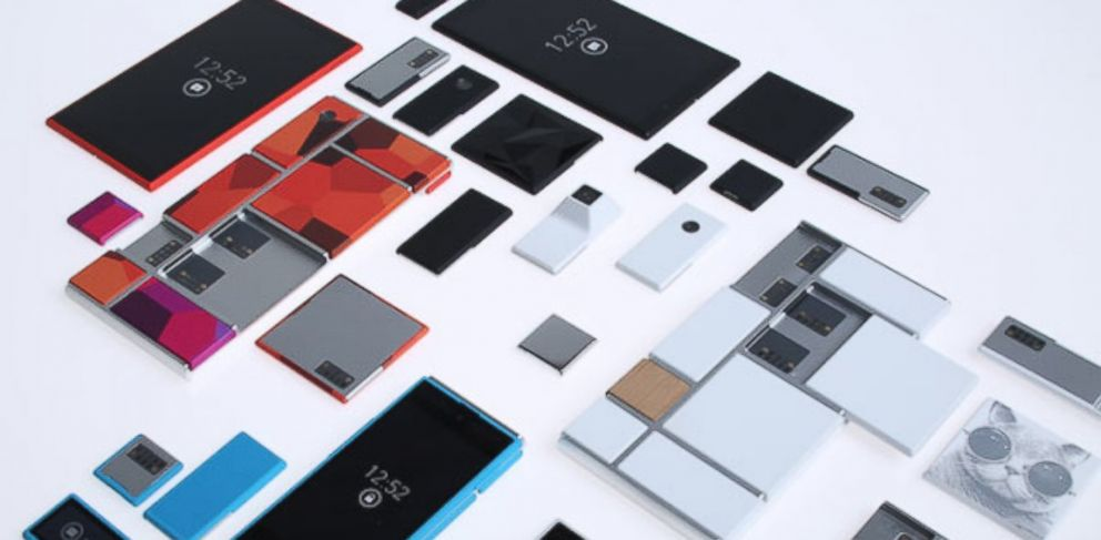 PHOTO: Project Ara, a new Motorola initiative, lets customers mix and match the individual parts