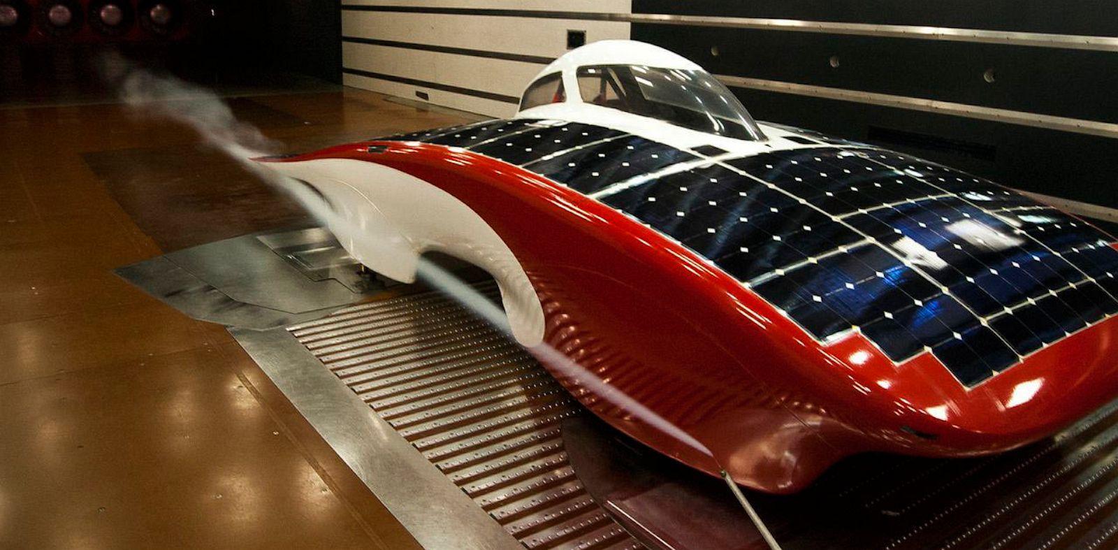 PHOTO: luminos, solar car