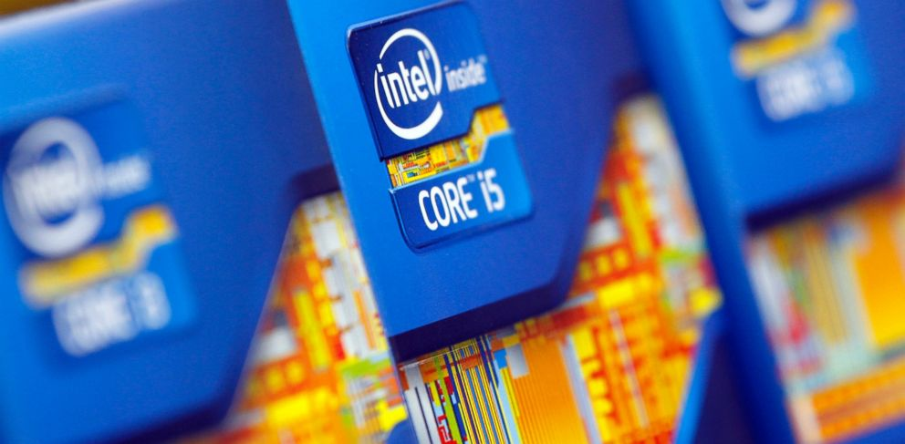 PHOTO: Intel processors are displayed at a store in Seoul, June 21, 2012.