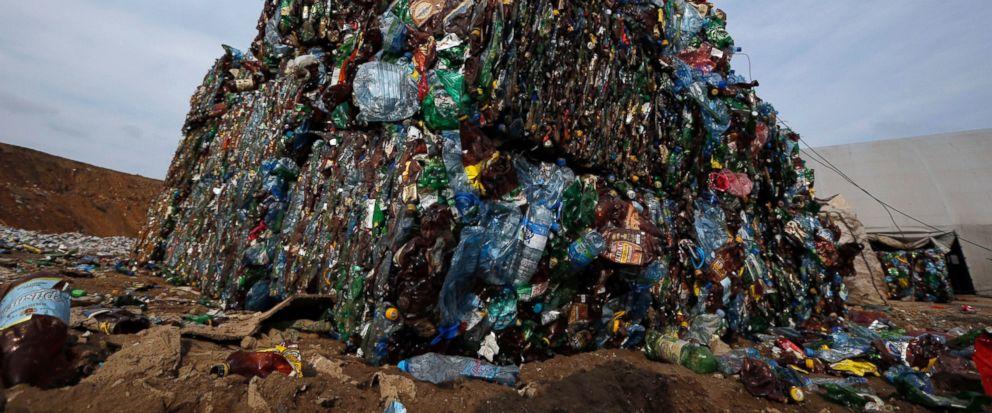 World's plastic waste could bury Manhattan 2 miles deep - ABC News