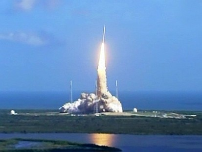 VIDEO: Ares 1-X rocket launches at Kennedy Space Center.