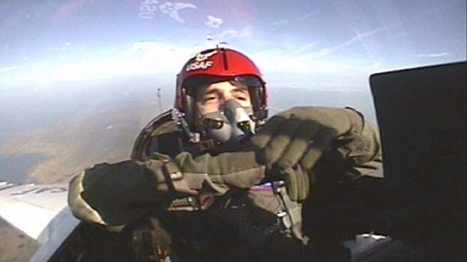 VIDEO: ABC News Ned Potter goes without gravity in an Air Force F-16 jet.