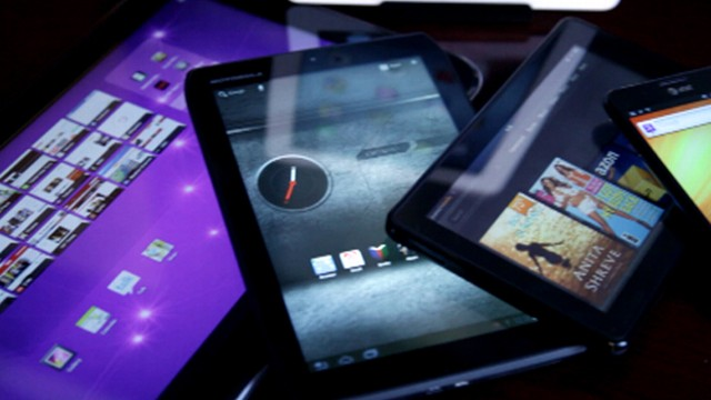 VIDEO: Kindle Fire, new iPad or Toshiba's 13-inch tablet? Which size fits your life?
