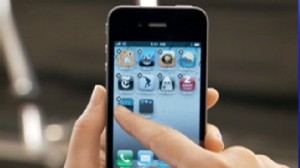 VIDEO: Consumer Reports recommends that Apple fix the new iPhones antenna issues.