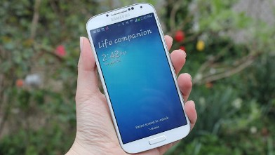 PHOTO: The Galaxy S4, Samsung's flagship phone.