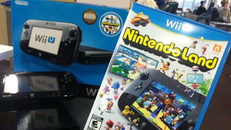 abc nintendoland wii lpl 121115 wblog Wii U Game Review: Nintendo Land With a Crowd Is a Pleaser