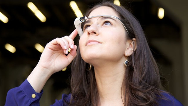 VIDEO: ABC News Joanna Stern shares what life is like behind Googles connected glasses.