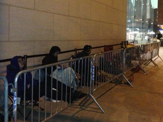 Lines Form as iPhone 5 Goes on Sale