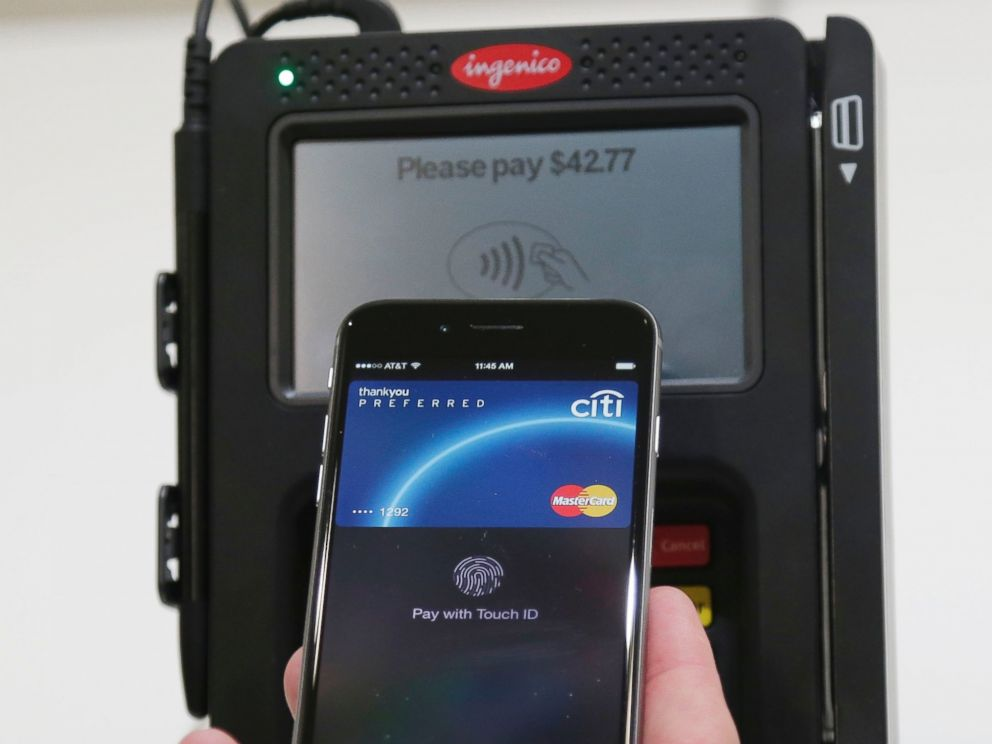 PHOTO: Apple Pay is demonstrated at Apple headquarters on Oct. 16, 2014 in Cupertino, Calif.