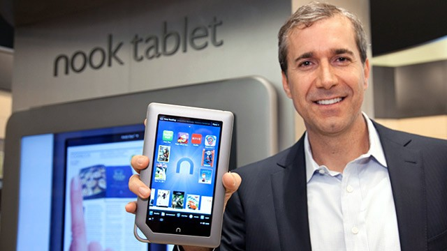 PHOTO: Barnes &amp; Noble CEO holds new Nook Tablet
