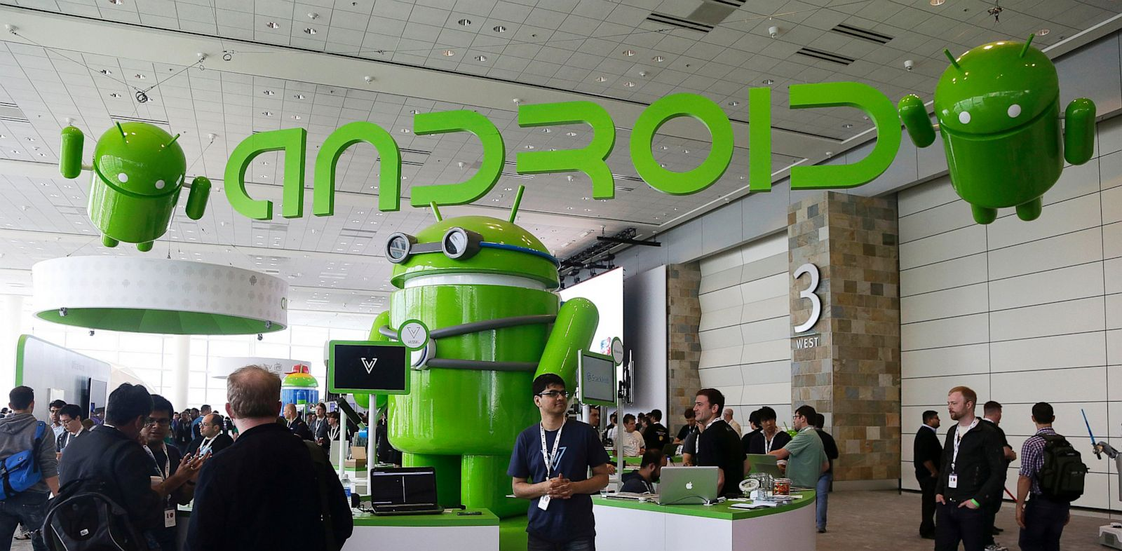 PHOTO: Visitors at Google I/O 2013