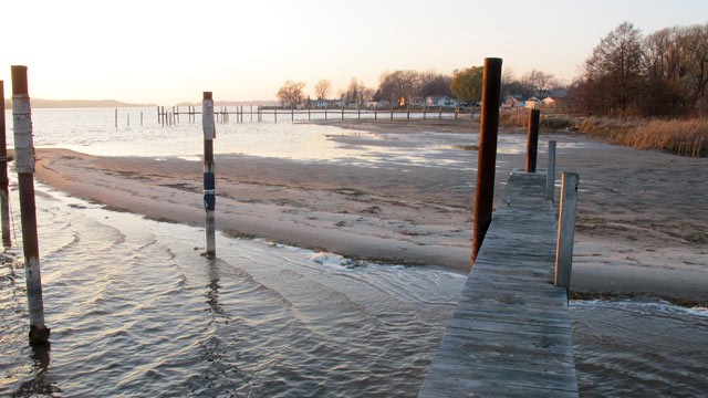 PHOTO: In this Nov. 16, 2012 photo, a sand bar is exposed by low water on Portage Lake in Onekama, Mich., which has made nearby docks and marinas largely unusable.