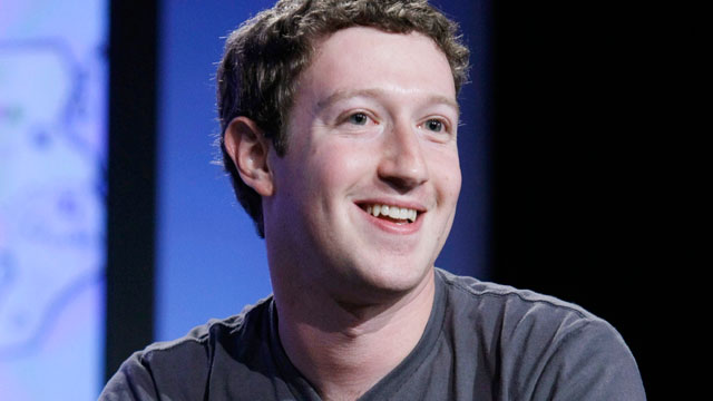 PHOTO: Facebook CEO Mark Zuckerberg smiles as he speaks at the Web 2.0 Summit in San Francisco.
