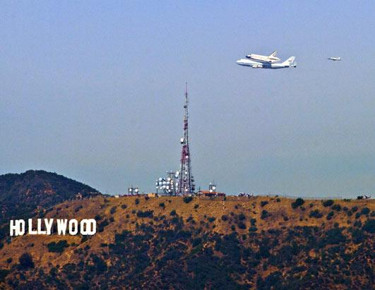 Shuttle Endeavour Reaches Calif.